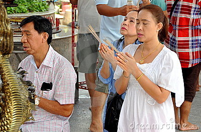 People praying at Thai-Chinese Temple Editorial Stock Image