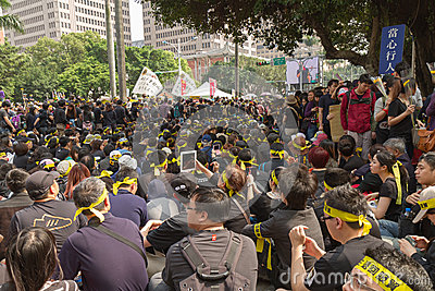 People protest Taiwan s Trade Pact