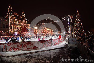 People skating on GUM rink Editorial Stock Image