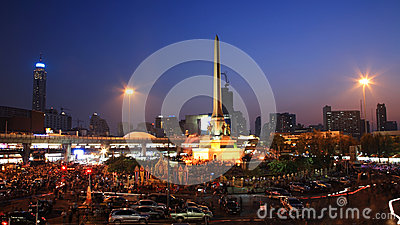 People at Victory monument to against government Editorial Stock Image