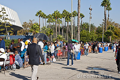 People Wait For Free Clinic In Los Angeles Editorial Stock Photo