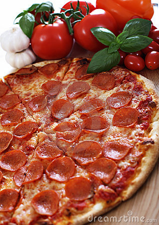 Free Pepperoni Pizza Stock Image - 11349261