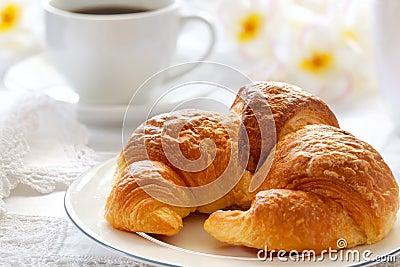 Pequeno almoço do Croissant