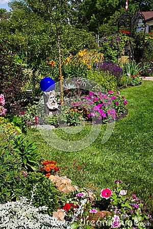 Perennial lush кровати