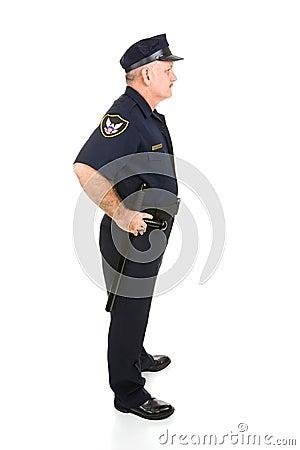 Perfil cheio do corpo do oficial de polícia