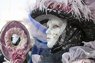 Perfil de una máscara veneciana Imagen de archivo editorial
