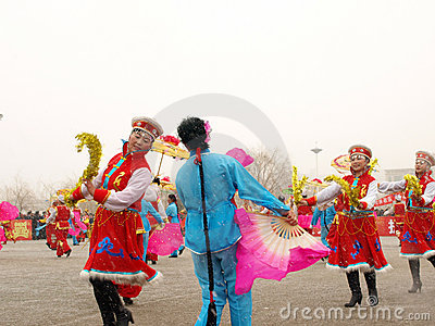 Perform traditional dance Yangge in the snow Editorial Photography