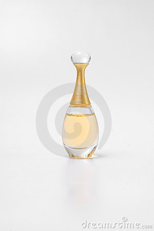 Free Perfume Royalty Free Stock Image - 9726826
