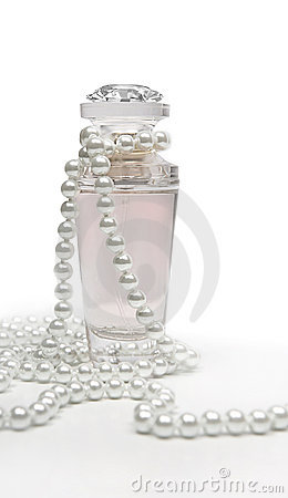 Free Perfume And Pearls Royalty Free Stock Photos - 17088568