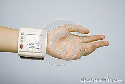 Personal vital signs monitor