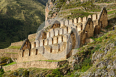 "Quest For The Ancient ""Cloud Warrior"" Fortress In The Peruvian Jungle Peru-sacred-valley-ollantaytambo-inca-fortress-24903934"