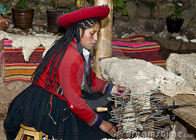 Peruvian woman weaving Editorial Stock Image