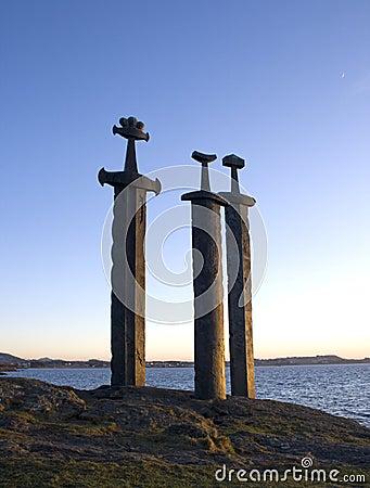 Épées dans la roche