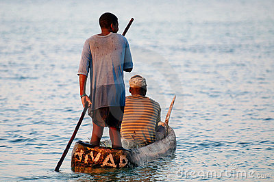 Pescadores em Mozambique rural Foto Editorial