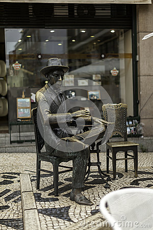 Pessoa  s bronze statue Editorial Photography
