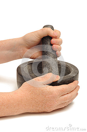 Pestle and mortar grinding