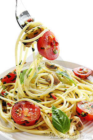 Free Pesto And Tomato Spaghetti Stock Photo - 3752490