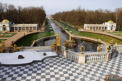 Peterhof, Grand Peterhof Palace