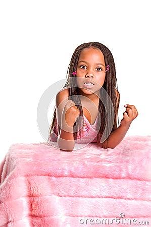 petite fille frustrante avec des tresses photos libres de. Black Bedroom Furniture Sets. Home Design Ideas