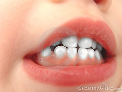 Petites dents blanches