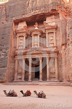 Free Petra Jordan Royalty Free Stock Photo - 32305595