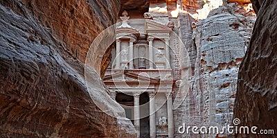 Petra-Jordan,the treasury