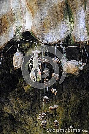 Petrifying стена в Knaresborough, Англия