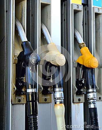 Free Petrol Pump Royalty Free Stock Photos - 28113928
