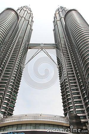Free Petronas Twin Towers, A Landmark In Kuala Lumpur, Malaysia, Were Stock Photos - 44245983