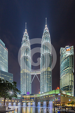 Free Petronas Twin Towers In Kuala Lumpur, Malaysia Royalty Free Stock Photo - 57854865