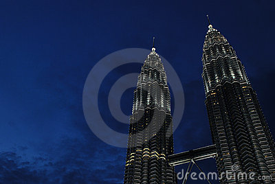The Petronas Twin Towers were the tallest building