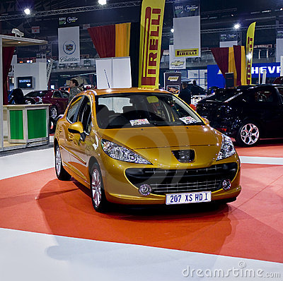 Peugeot 207 XS HDi - Family Hatch - MPH Editorial Photo