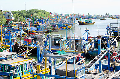 Fiskebåtar i Vietnam Redaktionell Foto