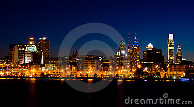 Philadelphia at night (panoramic)