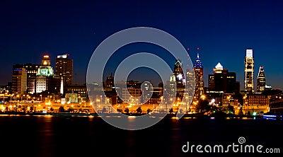 Philadelphia at night (panoramic)