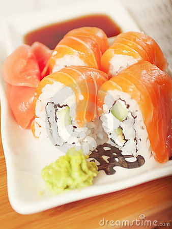 Free Philadelphia Salmon Sushi On Plate Royalty Free Stock Photography - 19749057