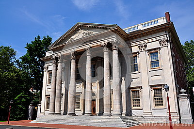 Philadephia, PA: The First Bank of the United States Statyes