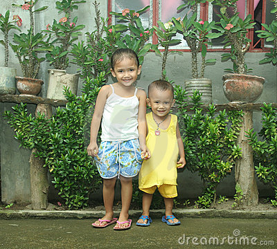Philippines siblings