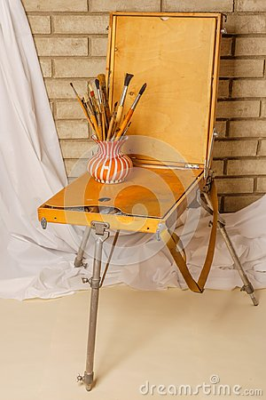 Free Photo Of Artist Tool Box. Painter`s Case With Portable Easel. Th Royalty Free Stock Images - 105523029