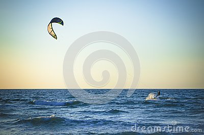 Photo Sea surfer far