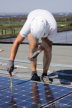 Photovoltaic panels laborer