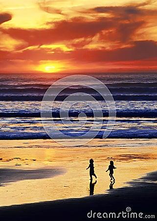 Pièce A de plage de coucher du soleil