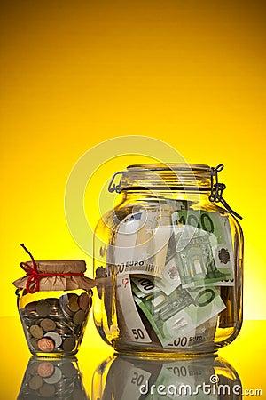 Pièces de monnaie et billet de banque