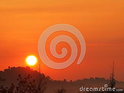 Piękny wschód słońca