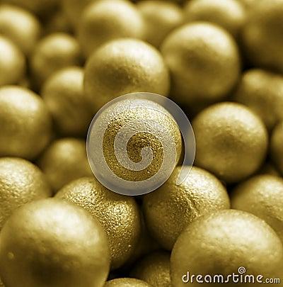 Piłki złociste