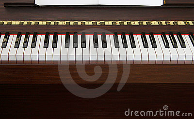 Piano keyboard front