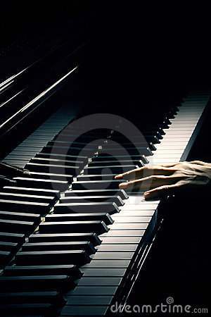 Free Piano Pianist Playing Royalty Free Stock Photo - 21364885