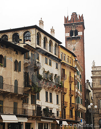 Piazza Delle Erbe, Verona Royalty Free Stock Photo - Image: 14117215