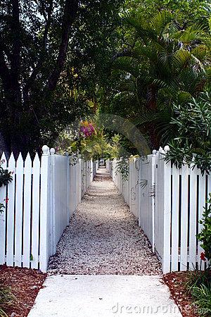 Picket Fence Walkway