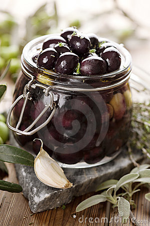 Pickling olives